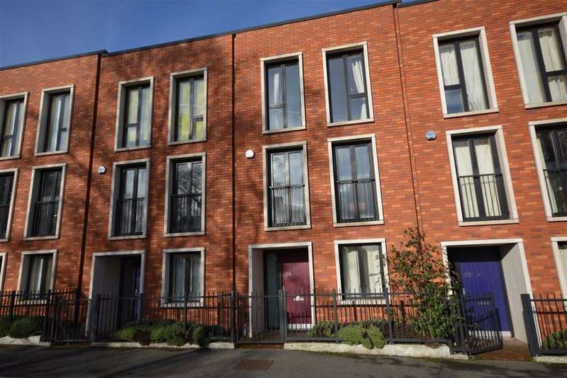 3 Bedrooms Terraced House for sale in Barrow Street, Salford, M3