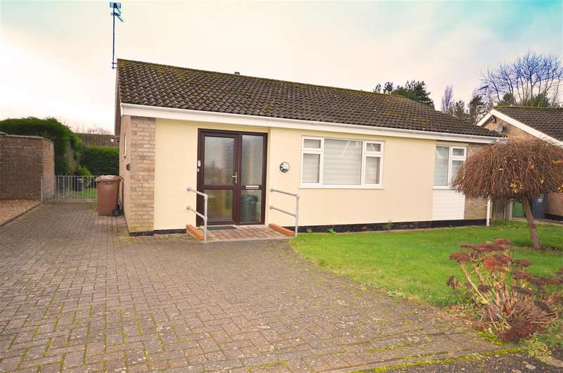 3 Bedrooms Bungalow for sale in Stalham.