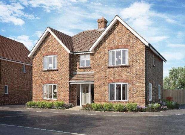 5 Bedrooms Detached House for sale in East Street, Billingshurst