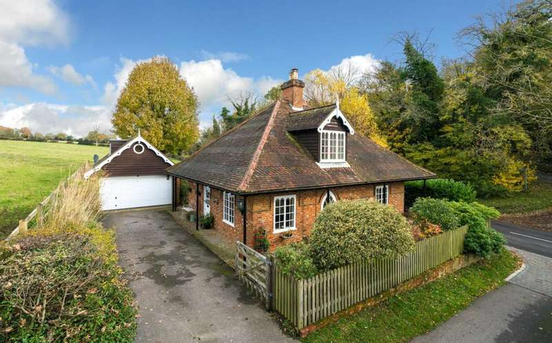 3 Bedrooms Cottage House for sale in RURAL Cottage with OUTSTANDING VIEWS