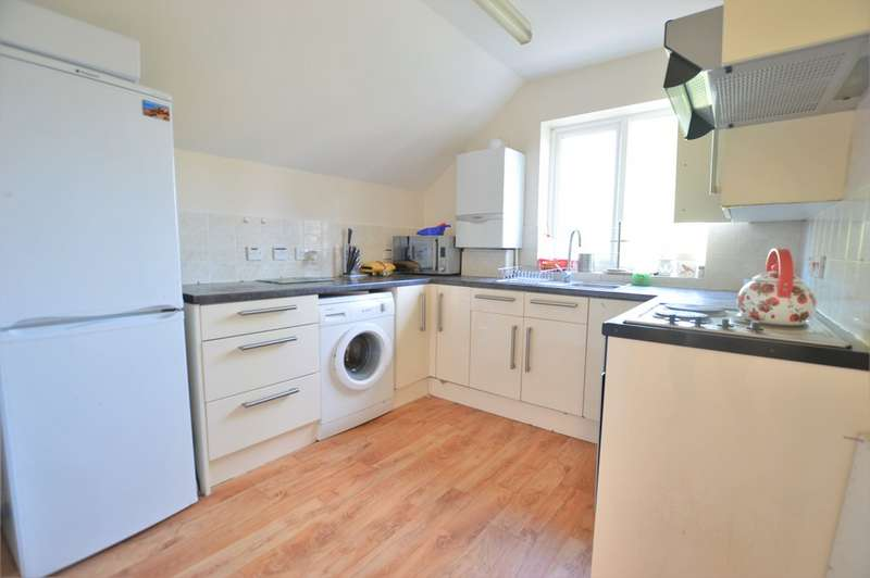 2 Bedrooms Maisonette Flat for rent in Lea Court, Ray Park Road, Maidenhead SL6