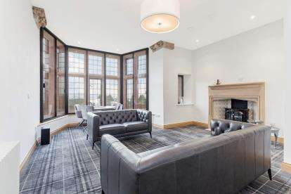 2 Bedrooms Flat for sale in Morar House, 17 Upper Colquhoun Street