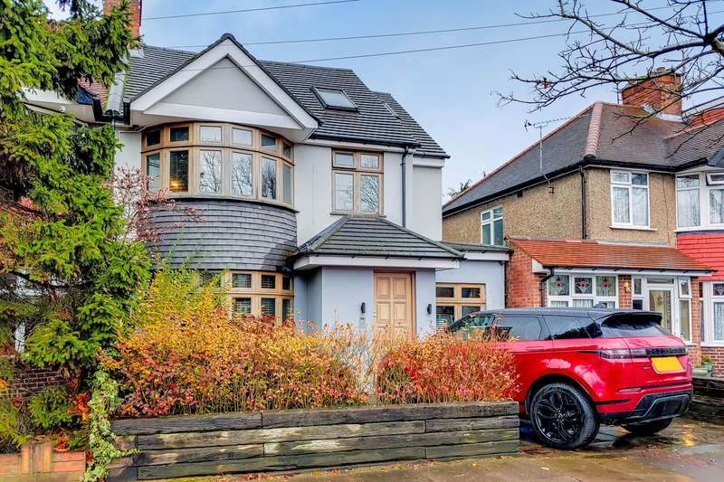 5 Bedrooms Property for sale in Whitton Drive, Greenford