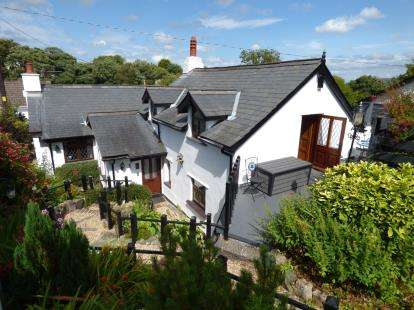 3 Bedrooms Detached House for sale in Red Wharf Bay, Anglesey, Sir Ynys Mon, LL75