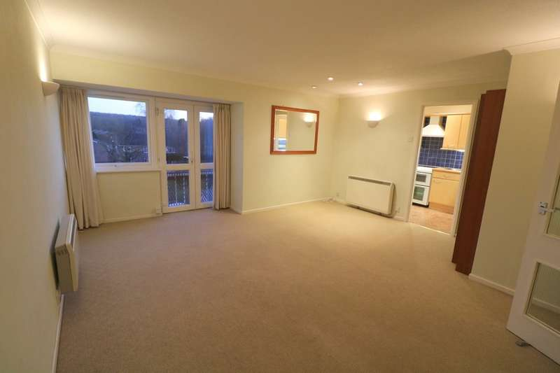 2 Bedrooms Flat for rent in Forestdale,Croydon,Surrey