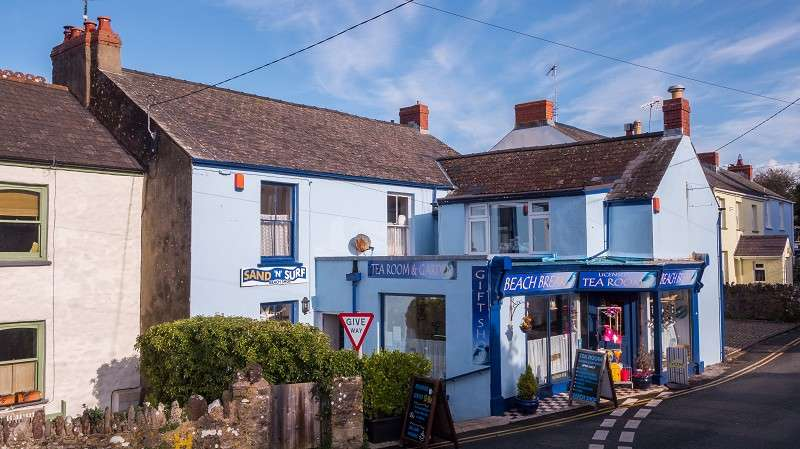 5 Bedrooms Cafe Commercial for sale in Beach Break Tea Rooms, Manorbier, Tenby, Pembrokeshire. SA70 7TD