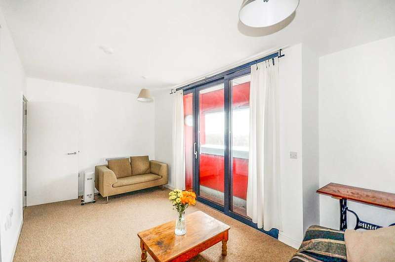 3 Bedrooms Flat for sale in Drayton Park, Islington, N5