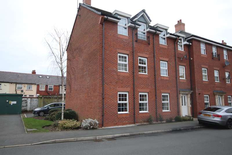 2 Bedrooms Flat for sale in Brentwood Grove, Leigh, WN7 1UG