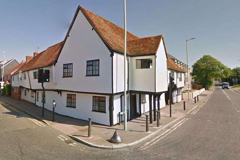 3 Bedrooms Property for sale in Royston Road, Baldock
