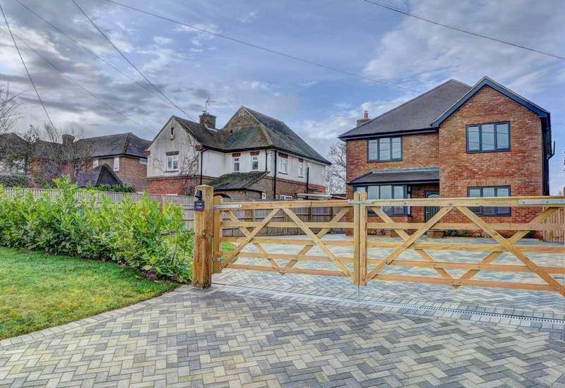 5 Bedrooms Detached House for sale in Shootacre Lane, Princes Risborough