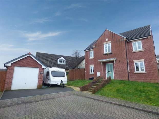 4 Bedrooms Detached House for sale in Museum Court, Griffithstown, Pontypool, Torfaen