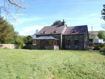 4 Bedrooms Detached House for sale in Tai Isaf, Waunfawr, Caernarfon, Gwynedd, LL55