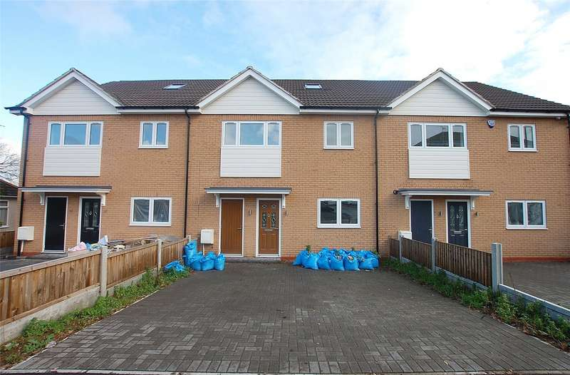 4 Bedrooms Terraced House for sale in Clay Hill Road, Basildon, Essex, SS16