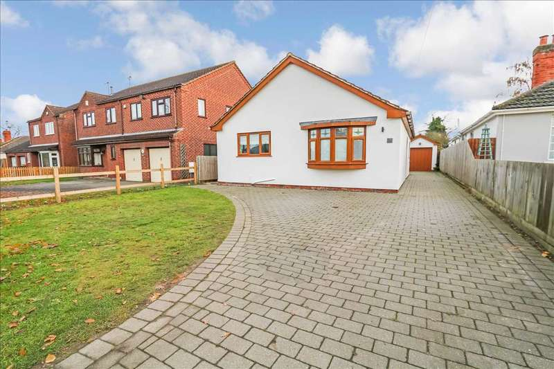 4 Bedrooms Bungalow for sale in Mill Lane, North Hykeham, North Hykeham, Lincoln