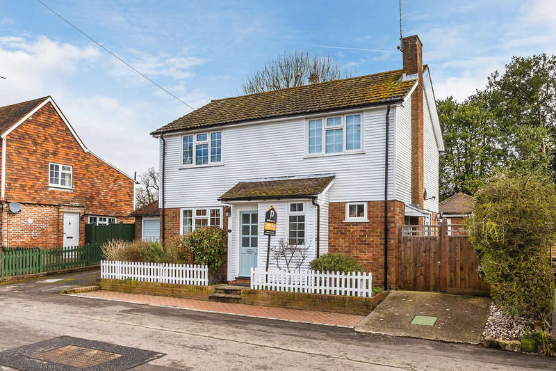 3 Bedrooms Detached House for sale in North Street, Cowden, TN8