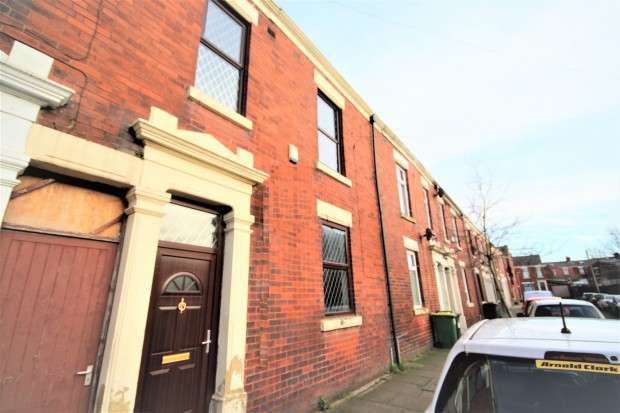 3 Bedrooms Terraced House for sale in Leicester Road, Preston, PR1