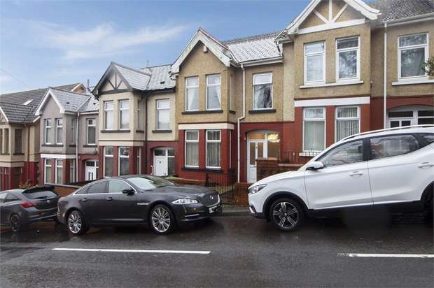 3 Bedrooms Terraced House for sale in Graig Isaf, Aberdare, Mid Glamorgan