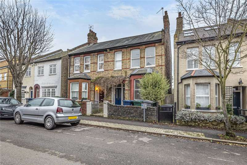 2 Bedrooms Flat for sale in Hutton Grove, London, N12