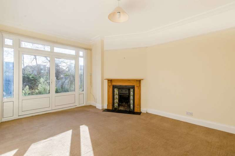 5 Bedrooms Semi Detached House for sale in Stanthorpe Road, Streatham, SW16