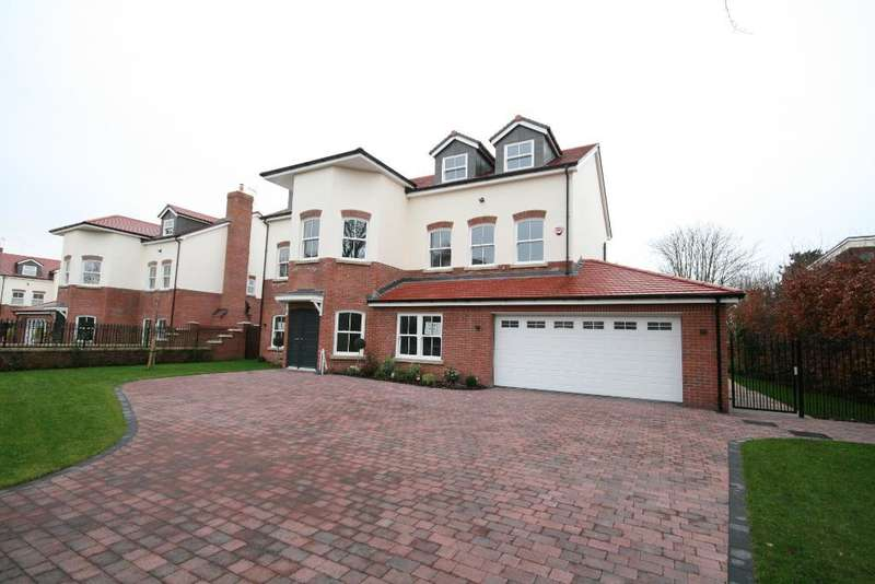6 Bedrooms Detached House for sale in Trafalgar Road, Birkdale, Southport, PR8 2EN