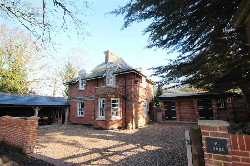3 Bedrooms Detached House for sale in The Lodge, Ramsey Road, Harwich