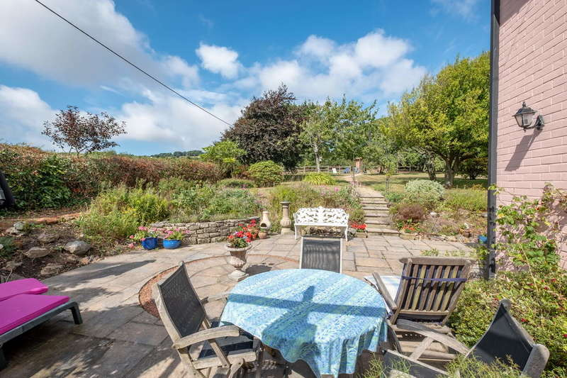 4 Bedrooms Detached House for sale in Whitwell, Isle Of Wight