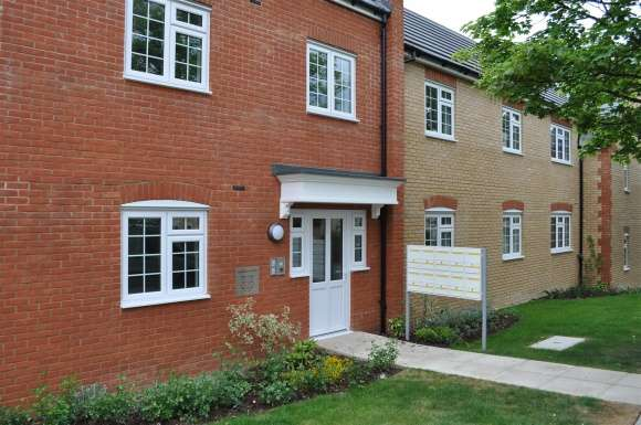 2 Bedrooms Flat for sale in Sanvignes Court, Baldock