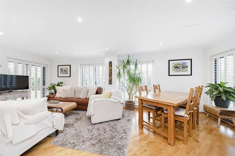 2 Bedrooms Flat for sale in Vitae Apartments, 311 Goldhawk Road, London, W6