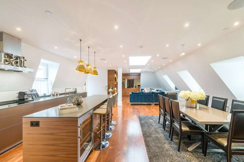 3 Bedrooms Flat for sale in 1 Bull Inn Court, London, WC2R