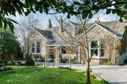 5 Bedrooms Bungalow for sale in Bodmin, Cornwall, .
