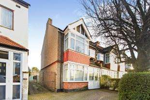 4 Bedrooms Terraced House for sale in Lower Addiscombe Road, Croydon
