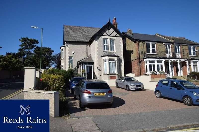 5 Bedrooms Detached House for sale in Summerhill Road, West Dartford, DA1