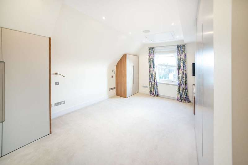 3 Bedrooms Flat for sale in Rudall Crescent, Hampstead, NW3