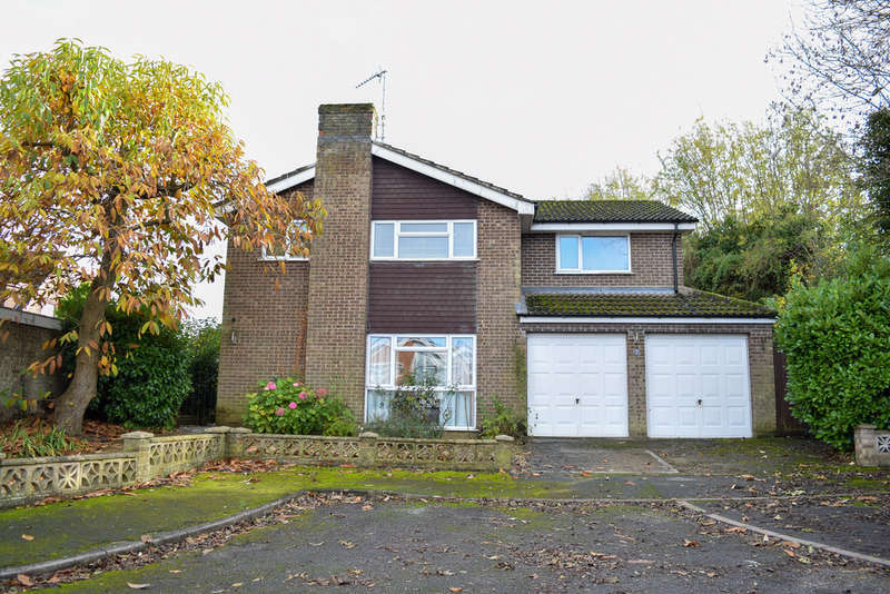 5 Bedrooms Detached House for sale in The Croft