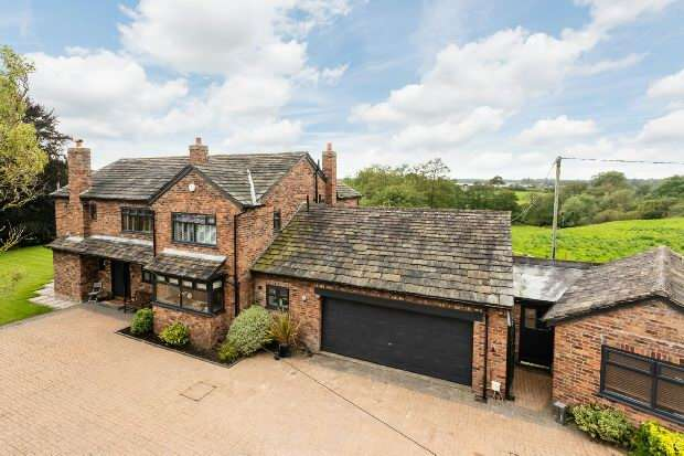 4 Bedrooms Detached House for sale in Pepper Street, Mobberley