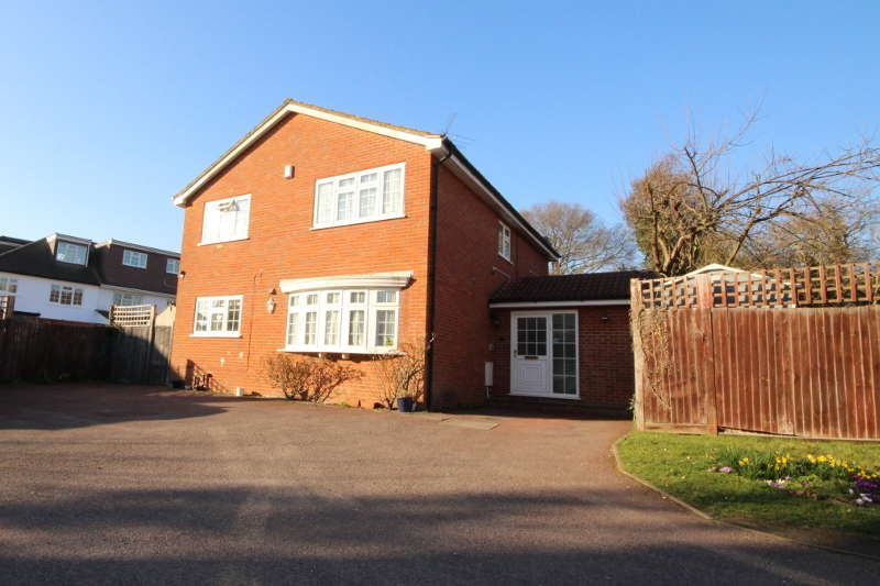 4 Bedrooms Detached House for sale in Sandbrook Close, Sunnydale Gardens, NW7