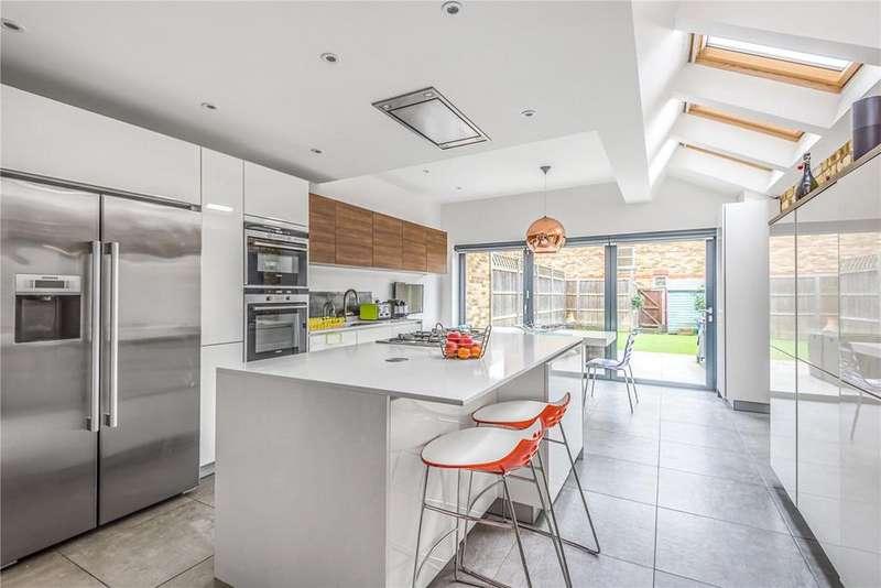4 Bedrooms Property for sale in Victor Road, Windsor, Berkshire, SL4