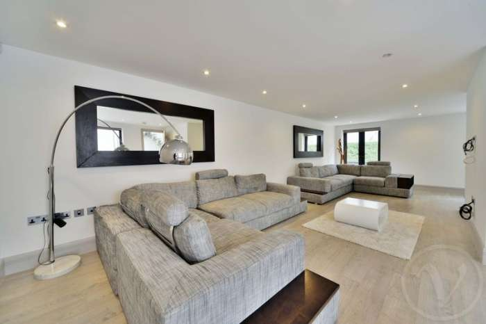 3 Bedrooms Property for sale in Whittlebury Mews East, Primrose Hill, London, NW1