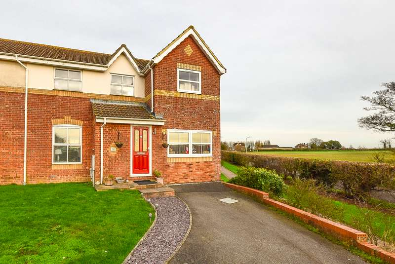 4 Bedrooms Semi Detached House for sale in Silverdale Drive, Herne Bay