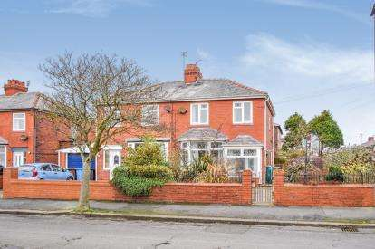 3 Bedrooms Semi Detached House for sale in Cross Street, Lytham St Anne's, Lancashire, FY8