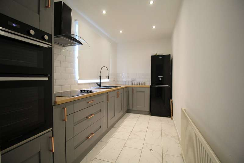 2 Bedrooms Semi Detached House for sale in Leominster Drive, Manchester, Greater Manchester, M22