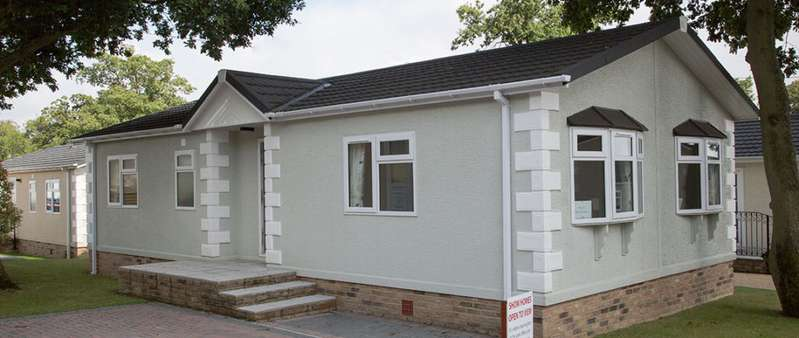 2 Bedrooms Lodge Character Property for sale in Spill Land Farm Country Park, Kent