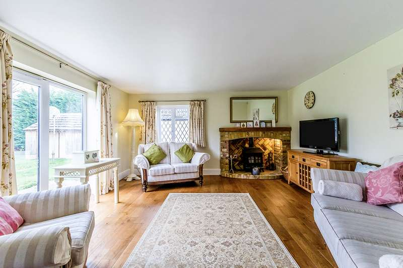 5 Bedrooms Detached House for sale in Perry Hill, Cliffe, Rochester, Kent, ME3