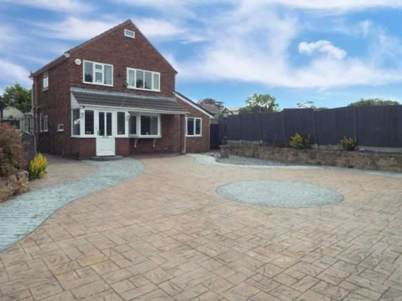 4 Bedrooms Detached House for sale in Oakleigh Grove, Bebington CH63