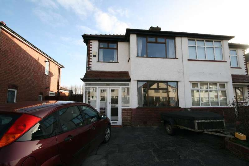 3 Bedrooms Semi Detached House for sale in Lexton Drive, Churchtown, Southport, PR9 8QW