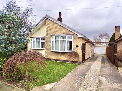 2 Bedrooms Bungalow for sale in Avenue Road, Queniborough, Leicester, Leicestershire