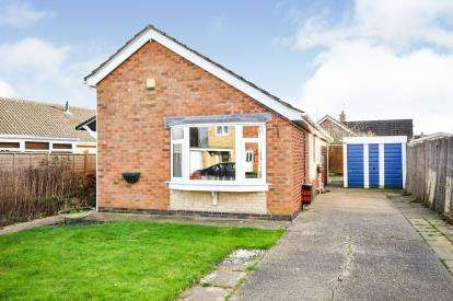 3 Bedrooms Bungalow for sale in Rudgard Avenue, Cherry Willingham, Lincoln, Lincolnshire