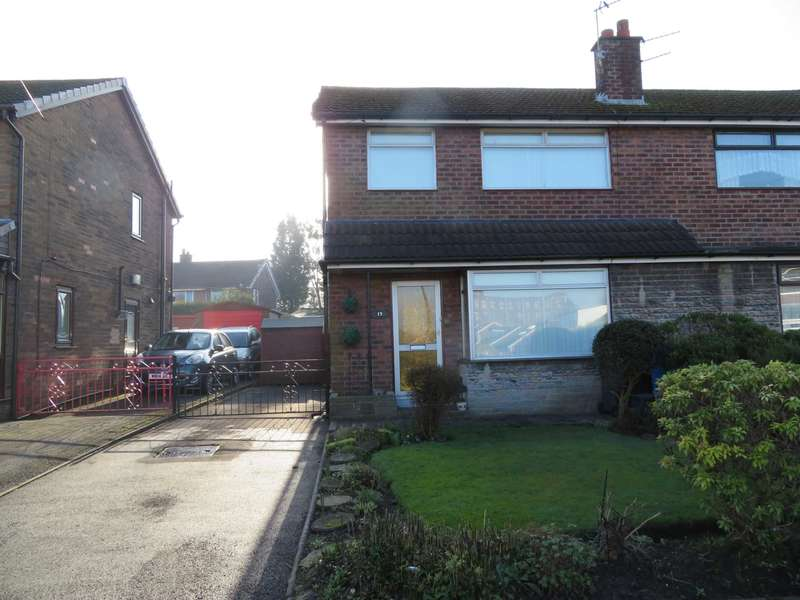 3 Bedrooms Semi Detached House for sale in Penryn Avenue, Royton