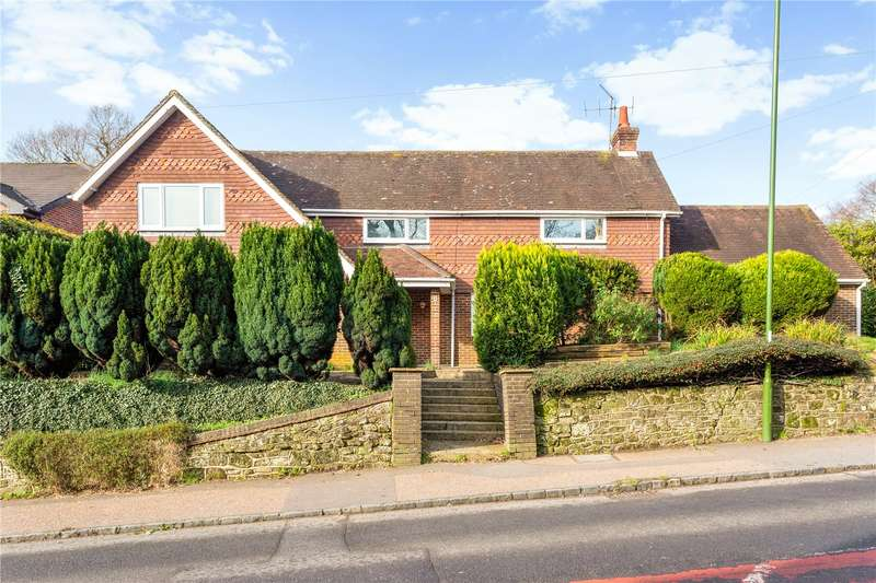4 Bedrooms Detached House for sale in Haslemere Road, Fernhurst, Haslemere, Surrey, GU27