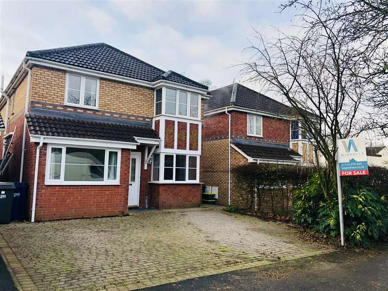 4 Bedrooms Detached House for sale in West Paddock, Leyland